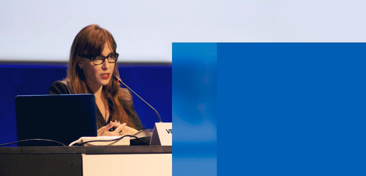 Veronica en conferencia